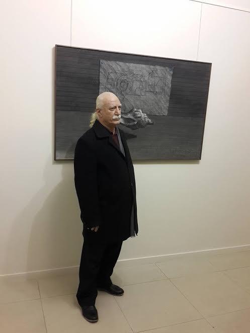Youssef Abdelké au vernissage de son exposition à la galerie Kamel le 17 décembre 2016